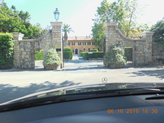 Palo Laziale, Italia: Entry Gate