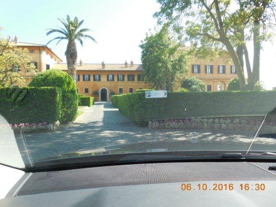 Palo Laziale, Italia: Entrance (can't wait!)