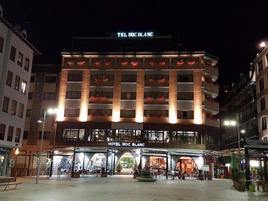 Roc Blanc Hotel: fachada del hotel