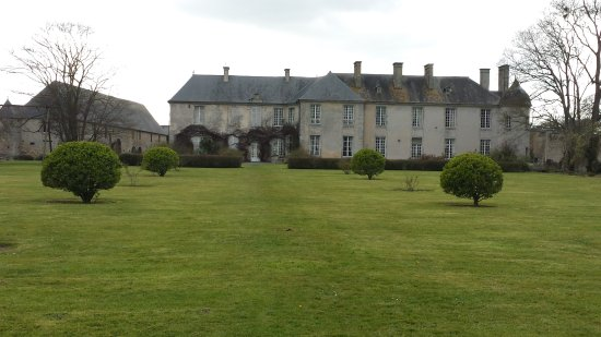 Vouilly, Francia: From the back garden