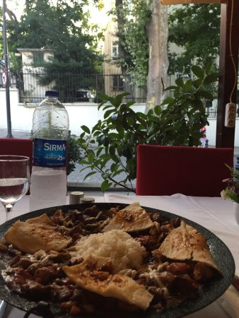 Gulhane Sark Sofrasi: Nicest restaurant in Istanbul. Great food and staff, really friendly and great English. Tea is a