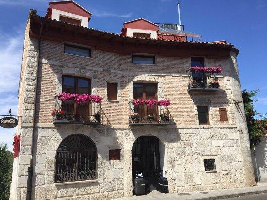 Hotel puerta del arco prices b b reviews tudela de - Hotel puerta del arco ...