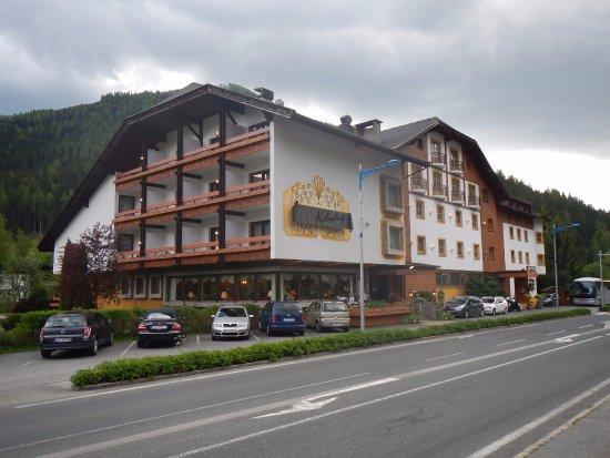 Au enpool bild von kolmhof hotel bad kleinkirchheim for Design hotel niedersachsen