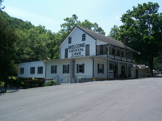 Crystal Cave: Inn and Visitor's Center