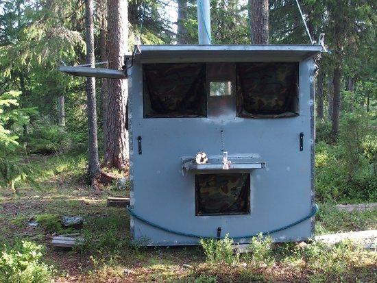 Martinselkonen Wilds Centre: one person´s forest hide