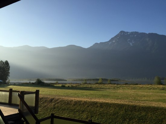 Agassiz, Kanada: Beautiful scenery off the deck and nearby wildlife make for a truly authentic wilderness experie