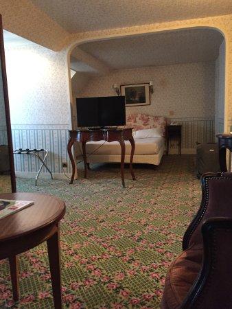la chambre de bonne l 39 ancienne photo de normandy hotel paris tripadvisor. Black Bedroom Furniture Sets. Home Design Ideas