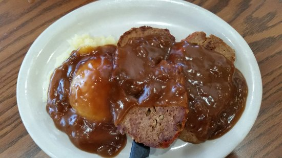 Maryville, MO: Delicious crepes and meatloaf