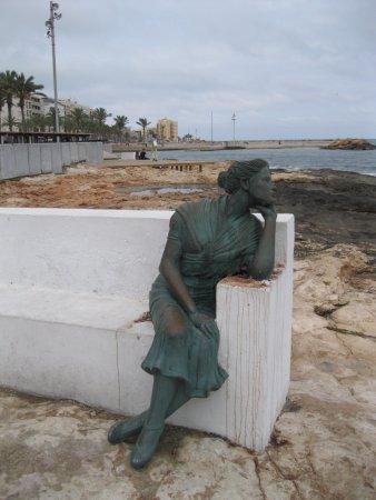 Monumento a la mujer del pescador