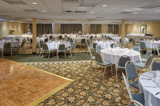 Howard Johnson Plaza Hotel Madison: Redwood Ballroom