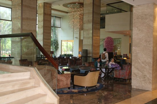 Edsa Shangri-La: Lobby bar and lounge