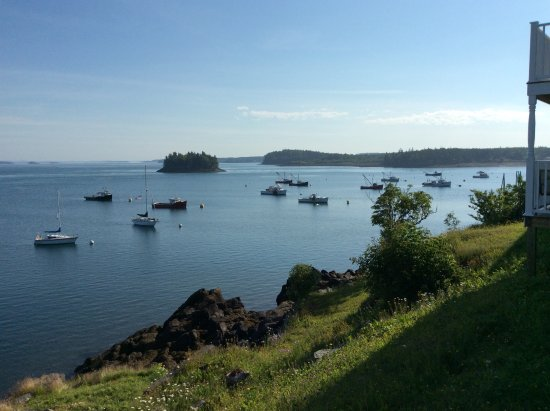 Lubec, Мэн: Looking at Canada