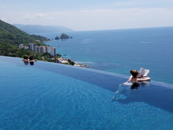 adult-only-resorts-in-puerto-vallarta