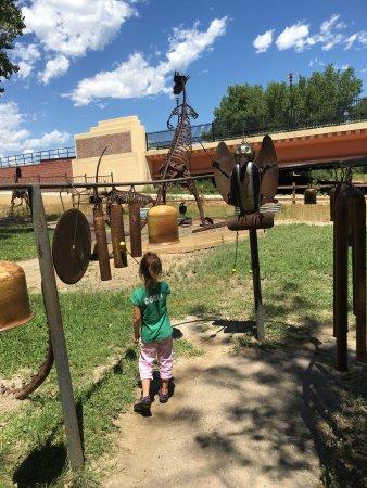 Swetsville Zoo: photo0.jpg