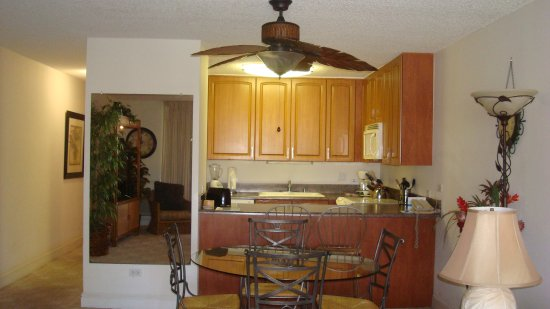 Kamaole Sands: Kitchen, dining and hallway in Unit 9-304