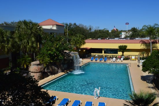 Altamonte Hotel and Suites: Pool area
