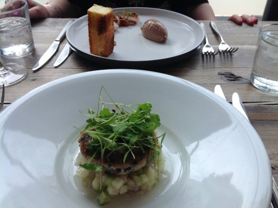 Crescent Road Restaurant: A pate and a fish cake starter
