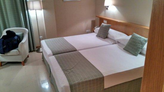 Hotel Central: IMG_20160704_222435_large.jpg