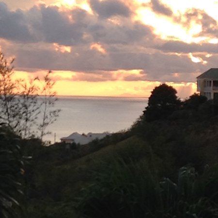 Stoneyhill Studio Apartments: Sunset from deck