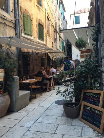 Diocletian Palace Experience: photo0.jpg