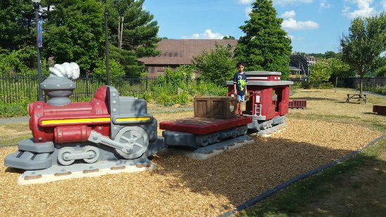 Greenfield, MA: Toy train