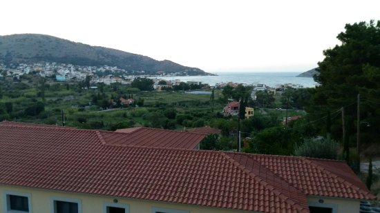 Ai Yannis Suites and Apartments Hotel: 20160705_204336_large.jpg
