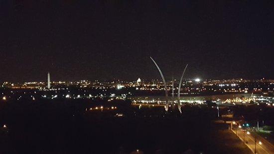 Sheraton Pentagon City Hotel: night view