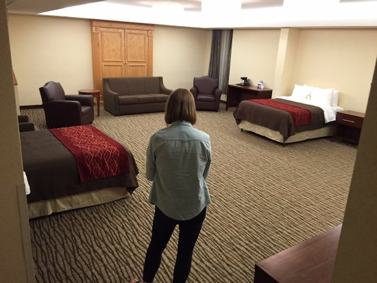 Days Inn U0026 Suites By Wyndham Denver International Airport: Surveying Our  Strange Giant Room.