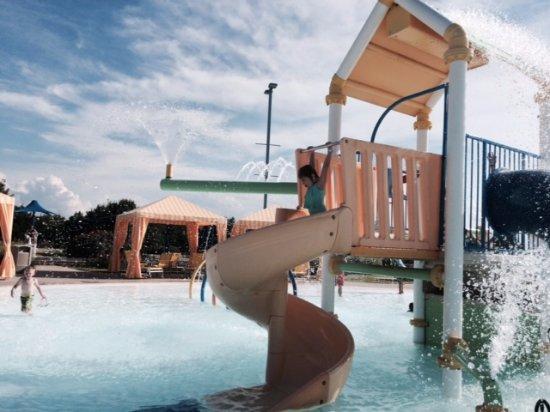 Water Works Park : Slide in kiddy area