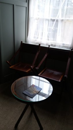 The Edgar Townhouse: I Liked these chairs