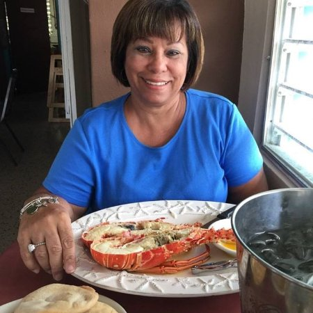 la estrella del norte: Rosa with her delicious lobster.