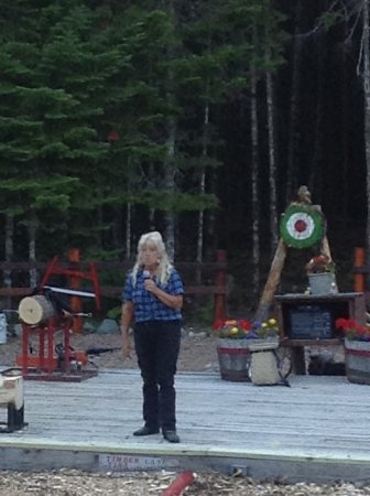 Ellsworth, ME: Lumberjack Tina answering questions from the audience.
