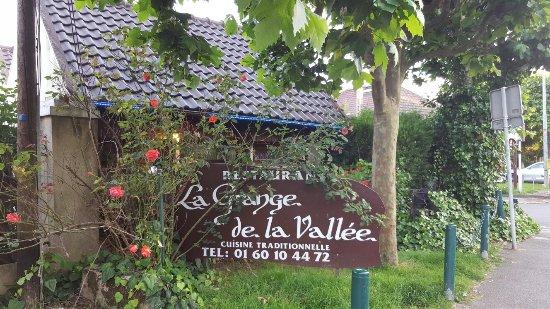 Palaiseau, Francia: 20160706_204440_large.jpg