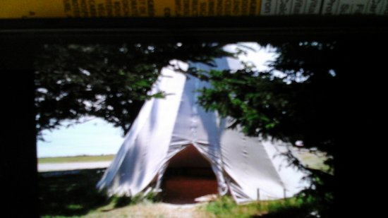 Port-Royal National Historic Site : This is a Mi'kmaq Teepee found behind Port Royal