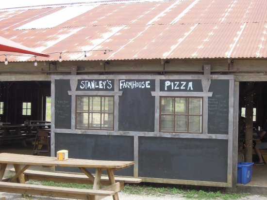 Stanleys Farmhouse Pizza: Stanleyu0027s Farmhouse Pizza   Tin Roof, Rusted