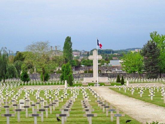 Cimetiere Militaire du Faubourg-Pave
