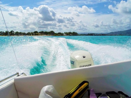 Blue Bay: A thrilling experience with Bonobo speedboat