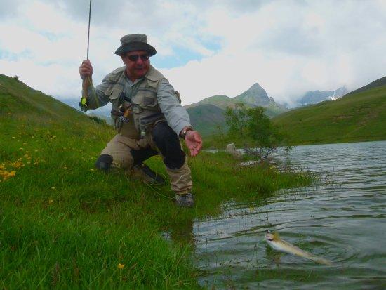 Provincia de Huesca, España: trucha de lago
