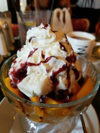Tautogs Restaurant: 20160706_175327_large.jpg