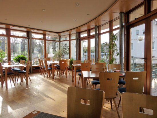 Posthorn Hotel-Restaurant : Wintergarden where breakfast is served