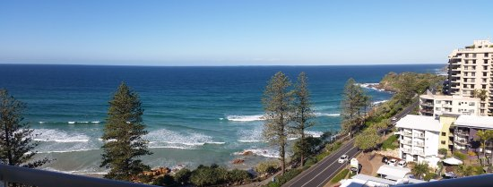 Coolum Beach, Australien: View from Unit 77 looking south. (12th floor)