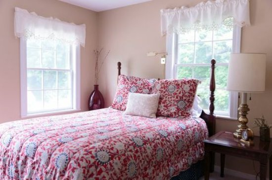 Snow Squall Bed and Breakfast: Relax and Enjoy your stay in Defiance