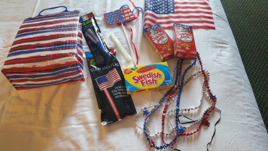 Red Lion Hotel Wenatchee: The 4th of July package given to my daughter to celebrate. missing is the bottle of bubbles