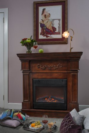 Whistling Swan Inn: Stillwater Fireplace