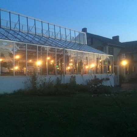 Elkton, Мэриленд: The beer garden at night with vents open so pretty