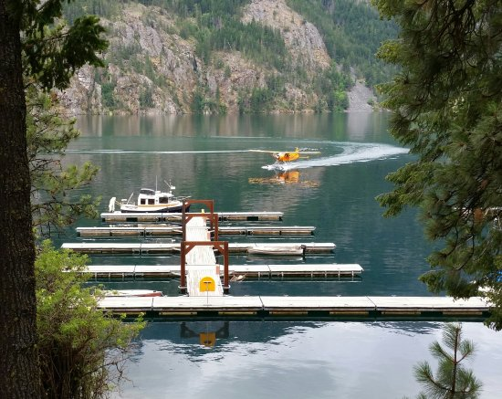 North Cascades Lodge at Stehekin: one of many trips of the plane bringing in/dropping off passengers & goods