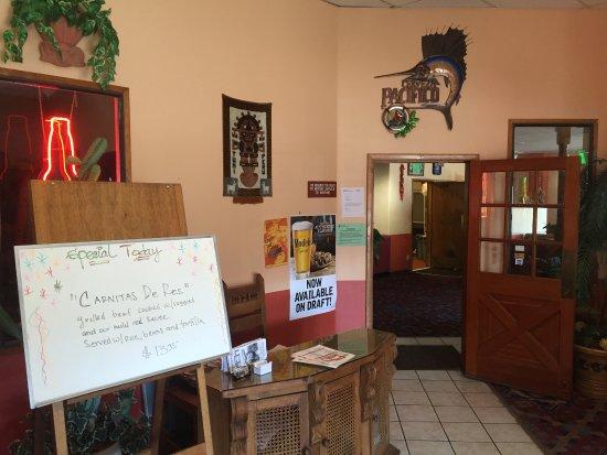 Bingen, WA: Lobby entrance