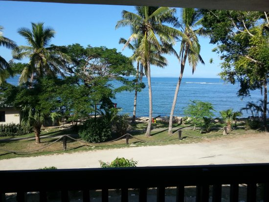 Anchorage Beach Resort: Beachfront rooms