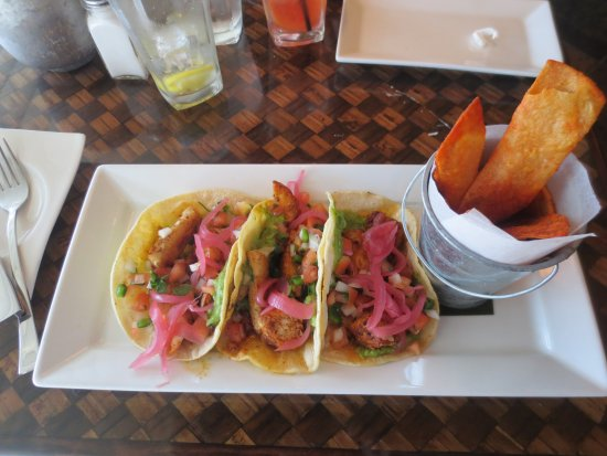 Harvey Cedars, NJ: Fish tacos
