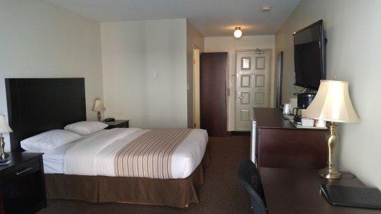 เวอร์นอน, แคนาดา: Standard Room with 1 Queen Sized Bed